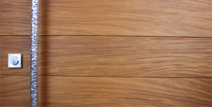 TEAK WOOD WITH ROUND POLISHED FACETED PULL