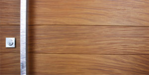 TEAK WOOD WITH SQUARE POLISHED SERRATED PULL