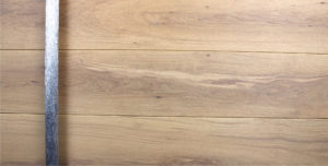 WHITE OAK WITH ROUND POLISHED ANTLER PULL