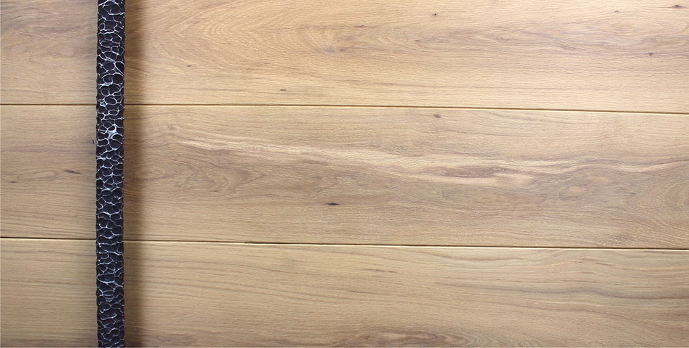 WHITE OAK WITH ROUND FACETED PULL