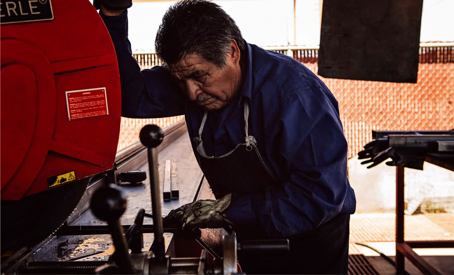 modern metal door cutting production process